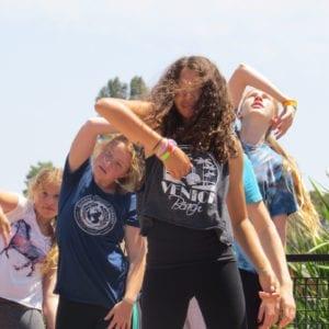 teen-flashmob-cropped