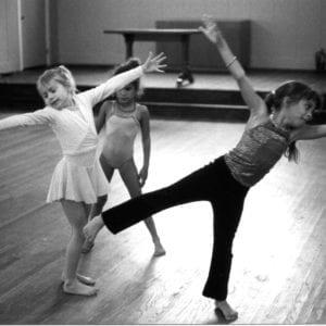 3 girls dance